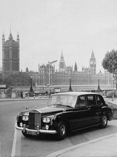 Rolls-Royce Phantom V - Goood - - My old classic car collection Auto Rolls Royce, Limousine Rolls Royce, Old Rolls Royce, Voiture Rolls Royce, Rolls Royce Black, Bentley Rolls Royce, Rolls Royce Phantom, Vintage Rolls Royce, Classic Cars British