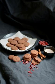 Chewy Gingersnap Cookies! #gingersnap #ginger #cookie #cookies #christmas #cinnamon #ginger #baking #holidays