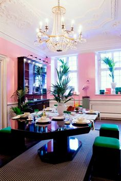 56f9762220b1822f9feb9573ee3a5e83--pink-dining-rooms-eclectic-dining-rooms.jpg (640×960)
