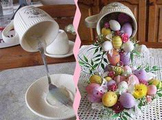 Basteltipp: Die schwebende Tasse A floating cup? This easy-to-implement crafting tip will be sure to Diy Spring Wreath, Spring Crafts, Holiday Crafts, Easter Tree, Easter Wreaths, Floating Tea Cup, Teacup Crafts, Easter Traditions, Artisanal