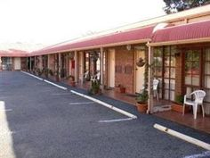 Gippsland Region Yarragon Motel Australia, Pacific Ocean and Australia Yarragon Motel is perfectly located for both business and leisure guests in Gippsland Region. The property features a wide range of facilities to make your stay a pleasant experience. Facilities like express check-in/check-out, luggage storage, Wi-Fi in public areas, car park, meeting facilities are readily available for you to enjoy. Guestrooms are designed to provide an optimal level of comfort with welco...