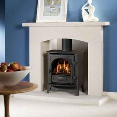 Coal or log effect gas steel stove Up to Matt black or choice of 3 paint finishes Manual or remote control NG or LPG No vent required Conventional flue Manufactured by Gazco Shown: Stockton 5 log effect gas stove