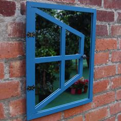 Magic Garden Mirror // - back yard diy projects Garden Crafts, Garden Projects, Wood Projects, Craft Projects, Projects To Try, Wood Crafts, Fun Crafts, Diy And Crafts, Arts And Crafts