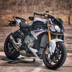 in motorcycle clothing. Who has had a joyride on one of these and how was it? Thanks for the photo via… Kawasaki Motorbikes, Ducati Motorcycles, Cars And Motorcycles, Bike Bmw, Moto Bike, Motorcycle Outfit, Motorcycle Bike, S1000r Bmw, Taxi Moto