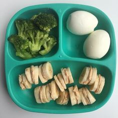 I sliced banana and made mini sandwiches by mixing sugar free peanut butter with whole milk yogurt, freezing the little sandwiches for about 20 minutes. Served with hard boiled eggs and broccoli. She ate all the banana, about broccoli, a Healthy Toddler Meals, Toddler Lunches, Kids Meals, Healthy Snacks, Healthy Eating, Healthy Recipes, Toddler Food, Baby Meals, Toddler Dinners