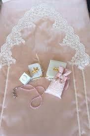 İlgili resim Prayer Mat Islam, Prayer Rug, Ramadan Crafts, Ramadan Decorations, Handmade Crafts, Diy And Crafts, Knit Art, Viking Tattoo Design, Sunflower Tattoo Design