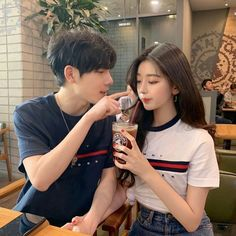Image about couple in ulzzangs😋 by saraaaa on We Heart It Couple Ulzzang, Ulzzang Korean Girl, Cute Couples Goals, Couple Goals, Tmblr Girl, Korean Best Friends, Cute Korean Boys, Couple Aesthetic, Korean Couple