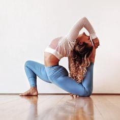 #Yoga Inspiration. Miki Ash wearing #AloYoga