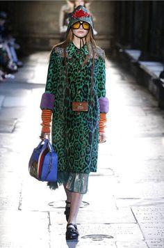 Alessandro Michele leva o desfile de pré primavera-verão da Gucci até Londres, na Abadia de Westminster – local onde a Rainha Elizabeth 2ª foi coroada!
