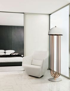 Turner is a floor light inspired by the Art-Deco style and it brings a touch of charm and elegance to your room. The shine of the brass can transform this furniture design piece in the ideal to place it in the corner of your room.