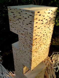 Open Light Project. Tower of wood light. Lampada in abete austriaco con due inserti di appoggio. di WoodnessDesign su Etsy