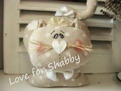 Love for Shabby: ...e cartamodello miagoloso fu...