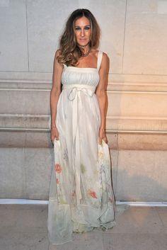 Sarah Jessica Parker optou por um vestido delicado e longo - Festa Louis Vuitton