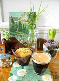 Plants & Coffee - Urban Jungle Bloggers by @hipaholic