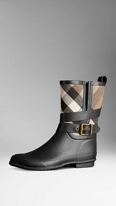 Rainy boots #burberry