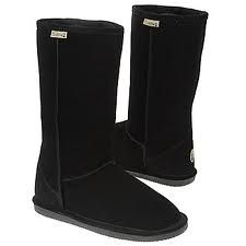 bear paw Emma sheepskin boots in black hey Eric Popp I want these for christmas Sock Shoes, Cute Shoes, Me Too Shoes, Awesome Shoes, Bear Claw Boots, Ugg Boots, Shoe Boots, Bear Claws, Boating Outfit