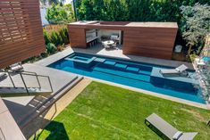Split Housein California Offers Sustainable Summer     /     Idea de la distribución de la piscina!!!!!