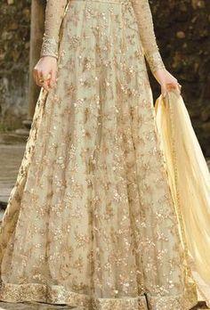 muslim wedding dresses with hijab Pakistani Party Wear Dresses, Beautiful Pakistani Dresses, Shadi Dresses, Pakistani Wedding Outfits, Pakistani Wedding Dresses, Bridal Outfits, Wedding Lehnga, Nikkah Dress, Bridal Lehenga