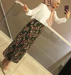 Iranian Women Fashion, Muslim Fashion, Modest Fashion, Fashion Outfits, Fasion, Hijab Style Dress, Hijab Wear, Hijab Outfit, Pakistani Frocks