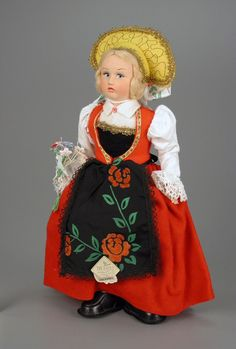 106.3348: Lenci-like Italian Maiden   doll   More Dolls   Dolls   Online Collections   The Strong