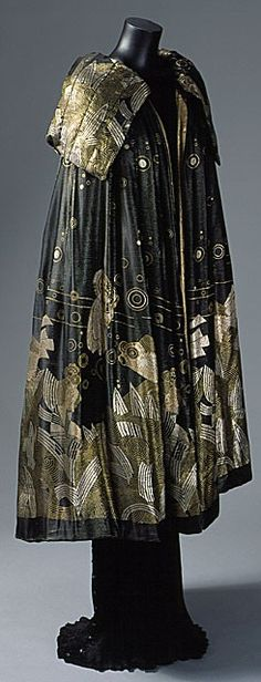 ornamentedbeing:        Evening Cape, House of Worth 1925, French, Made of lame  LACMA