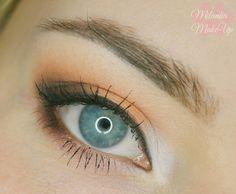 Brzoskwiniowy makijaż dzienny