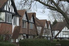 Ashford, on the south-western edge of London, grew from a small village in the 1900s to become the commuter town it is today, located near to the M25, giving easy access to the M3, M4 and M40.  http://www.frostweb.co.uk/area-guide-ashford.html #Frostproperty