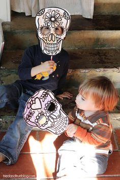 Here's a super quick and easy project to entertain kiddos and celebrate Dia de los Muertos. You can just print off the Calavera Printable (Heart & Flower) and have them color it or slide it into a menu holder (I love restaurant supply stores!) for days of coloring fun. There are two different designs, one...Read More »