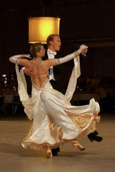 Quickstep-Einlage auf dem Lausitzer Tanzball - Bild & Foto von ...