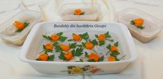 Piftia(raciturile) un preparat nelipsit de pe mesele romanilor de sarbatori. Eu am facut-o de Anul Nou si a avut mare success 😏       Daca ... Cantaloupe, Fruit, Pork, The Fruit