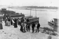 A hajók befutnak Szegeden a Makai piacra.
