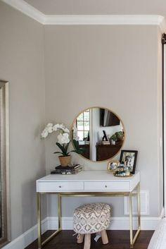 Discover bedroom vanity set to inspire you Fancy Bedroom, Modern Master Bedroom, Budget Bedroom, Shabby Chic Bedrooms, Master Bedroom Design, Minimalist Bedroom, Farmhouse Bedrooms, Modern Bedrooms, Cozy Bedroom
