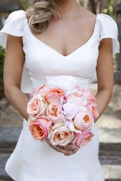 pink rose bouquet | Pink Shoe Photography #wedding
