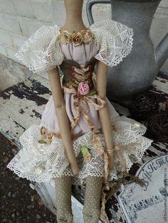 Купить или заказать кукла тильда ручной работы ФЕЕЧКА в интернет-магазине на Ярмарке Мастеров. ФЕЕЧКА создавалась для украшения салона красоты ФЛОРА г. Москва . Лёгкое кружево, много цветочков, шебби ленты.…