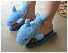 Tutorial: Shark Flip-Flops from DollarStoreCrafts.com