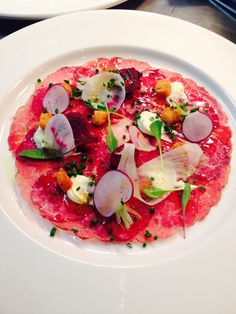 Beef carpaccio with pickled veg Gourmet Recipes, Beef Recipes, Cooking Recipes, Carpaccio Recipe, Tapas, Good Food, Yummy Food, Beef Dishes, Appetisers