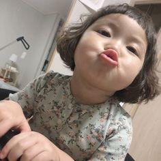 Cute Asian Babies, Korean Babies, Asian Kids, Cute Babies, Cute Little Baby, Cute Little Things, Little Babies, Cute Baby Meme, Baby Memes