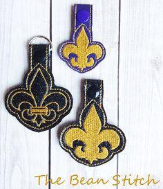 Embroidery Machine Download Design File - Tag Key Fob Fleur De Lis includes 4 options!
