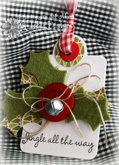 Jingle bells ~ Holly leaves ~ Red Berry Button