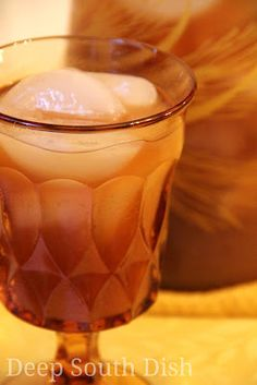 Fresh Peach Sweet Iced Tea - Sweet southern iced tea enhanced with a puree of fresh peaches and freshly squeezed lemon juice.