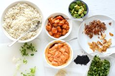 My favorite poke bowl: Salmon poke with a choice of 2 marinades: spicy mayo and shoyu. Do you want to know how to make a poke bowl at home? Poke Bowl, Ahi Poke, Salmon Poke, Sushi, Eating Raw, Mayonnaise, Entrees, Healthy Recipes, Yummy Recipes