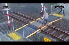Yeni Zelenda'da Trenin Altında Kalmaktan Son Saniye Kurtulan Kadın