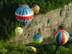 Hot Air Balloon Rides by Balloons Over Letchworth. Experience the thrill of a Hot Air Balloon ride over the Letchworth State Park gorge in beautiful western New York. Letchworth State Park, Air Balloon Rides, Hot Air Balloon, New York State Parks, Ny Parks, Blue Balloons, I Love Ny, Camping Spots, Virtual Tour