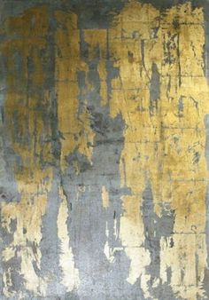 Gold Metallic Wallpaper.  GOLD -a key interiors trend for 2015/16 -needs careful balance to stay looking cool not naff www.desresdesign.co.uk#HomeDecor #design #inspired