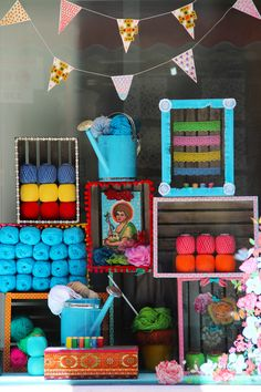 Casa dos Forros | Traditional Haberdashery store from Porto, Portugal | Shop Window by Regina Pinheiro Studio | 2015