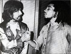 **Bob Marley** & George Harrison, The Roxy Theatre, Los Angeles, CA, USA, July 13, 1975. Having heard that George was a fan of Marley's music, the president of US Island Records, Charley Nuccio, invited him to the show. When told that George Harrison was coming backstage, Marley visibly lit up and said 'Ras Beatle!' More fantastic pictures, music and videos of *Robert Nesta Marley* on: https://de.pinterest.com/ReggaeHeart/ ©Kim Gottlieb-Walker/ http://www.lenswoman.com