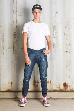 Sports-level comfort in a contemporary denim design. Loose Fit Jeans, Fall Winter, Normcore, Sporty, Pocket, Contemporary, Fitness, Design, Fashion
