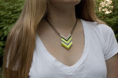 september girls do so much: DIY: popsicle stick chevron necklace