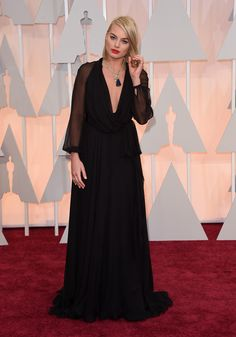 Margot Robbie Photos Photos - Actress Margot Robbie attends the 87th Annual Academy Awards at Hollywood & Highland Center on February 22, 2015 in Hollywood, California. - Arrivals at the 87th Annual Academy Awards — Part 3