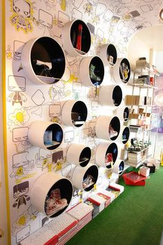 Wall display at Play Clan in India. Kids Shoe Stores, Kids Store, Toy Store, Shoe Display, Display Design, Shoe Store Design, Design Commercial, Visual Merchandising Displays, Retail Interior